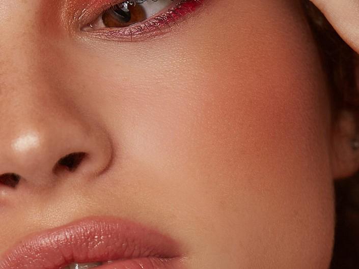 Valerie beauty shots incl visagie/haar door Sandra Bierens